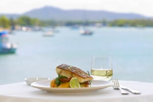 Dining on Noosa River